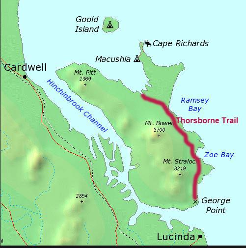 Kort over Hinchinbrook med Thorsborne Trail indtegnet som rød streg
